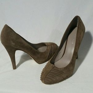 Nine West tan suede heel, size 8.5